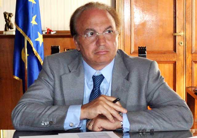 Francesco Tagliente:                # IORESTOACASA Aiutiamoci tutti per seguire le direttive per difenderci!